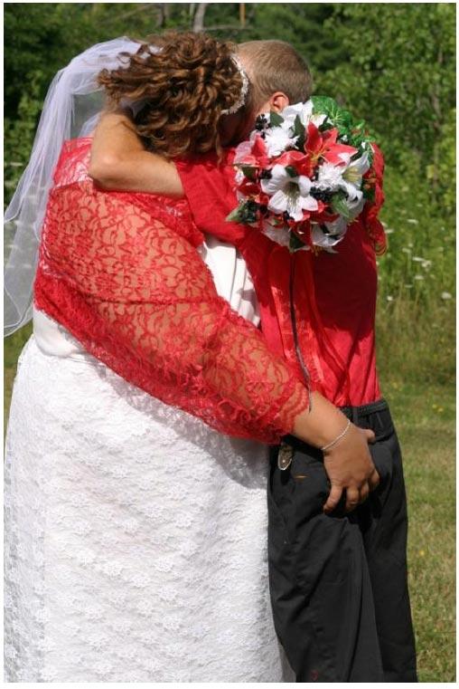 tacky wedding dress. Bad Wedding Dresses »