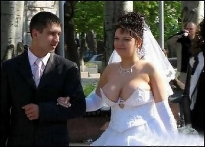 Dude thinks all weddings are tacky weddings