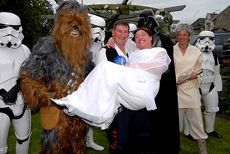 star-wars-wedding-pic-mike-walker-m-and-y-973806144