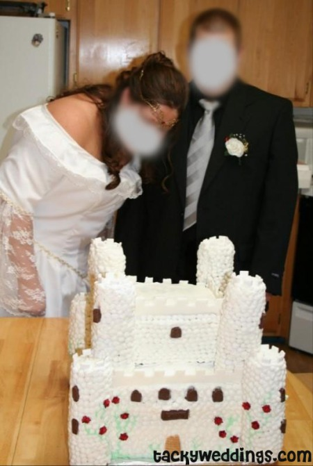my wedding cake was ugly all things heinous trashy and hilarious in weddings 17691